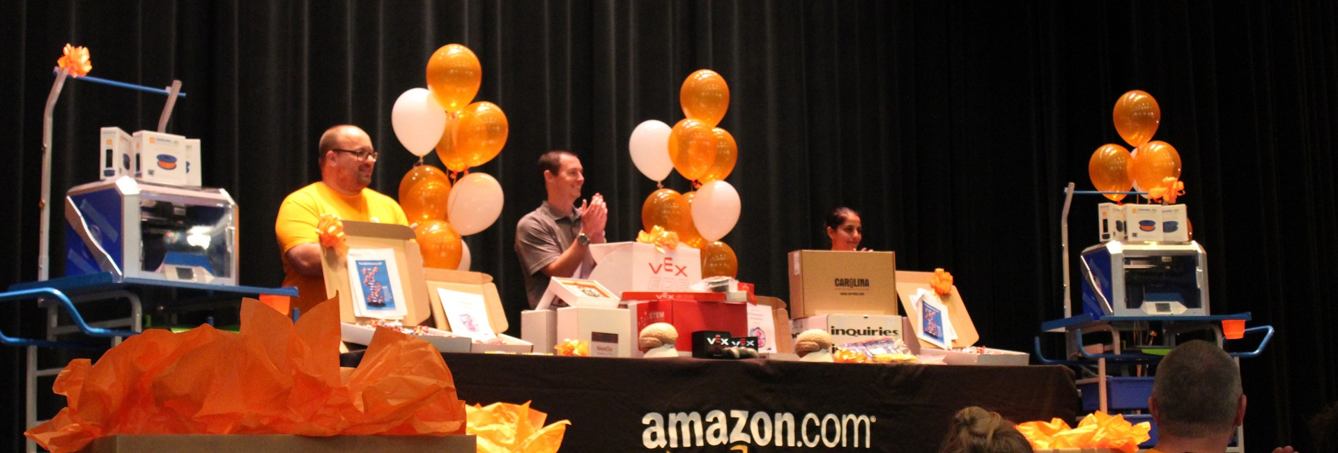 Amazon Donates $10,000 of STEM Equipment to Holmes Middle School